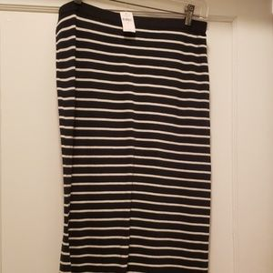 Semi-fitted Maxi Skirt with Side Slits